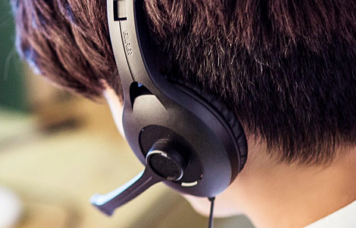 communication headphones with mic